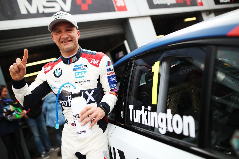 Turkington scores Team BMW's first BTCC pole in new 330i M Sport