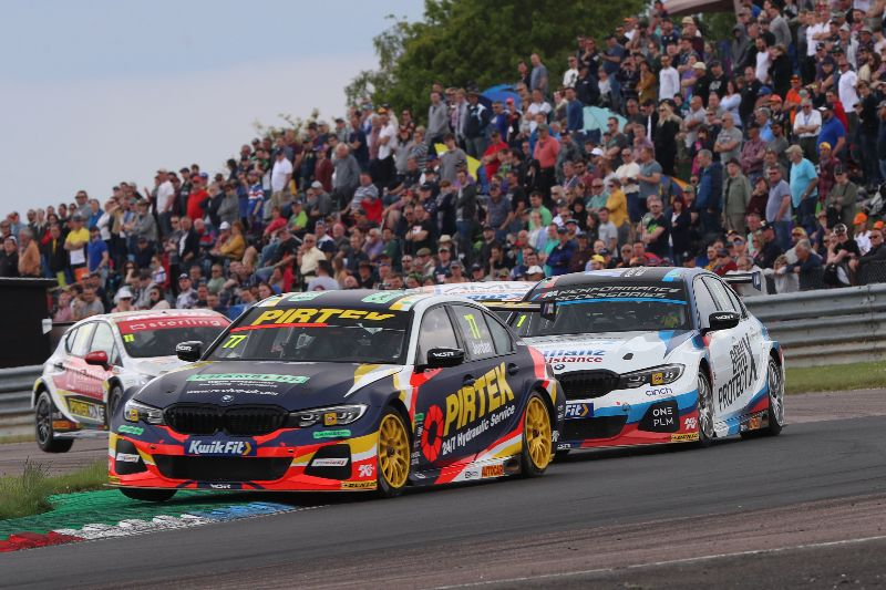 BMW Pirtek Racing deliver emphatic double-victory at Thruxton