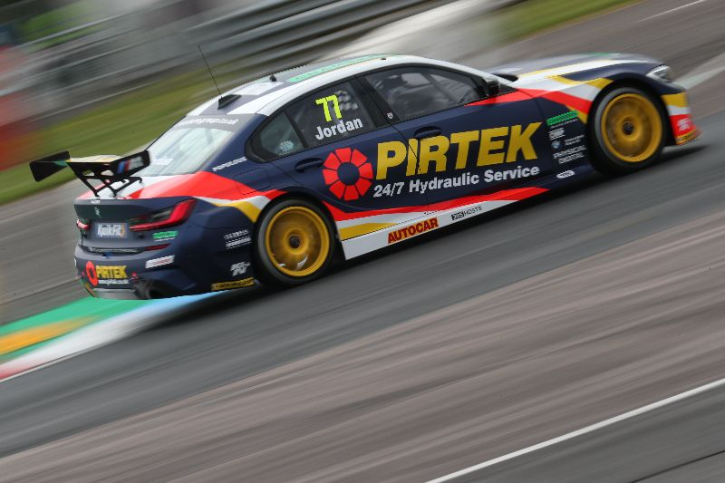 BMW Pirtek Racing storm back to form in Thruxton qualifying