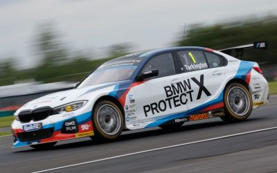 Team BMW on second row at Croft