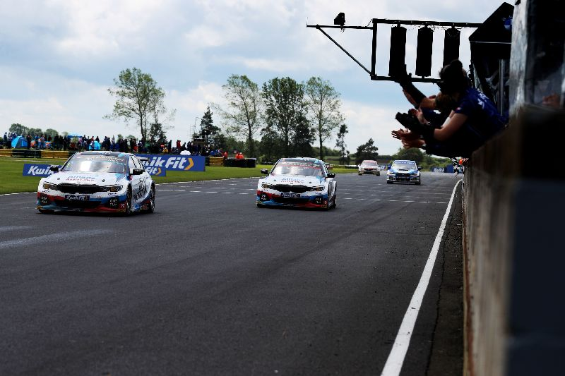 Team BMW title push continues at Oulton Park